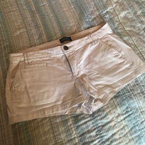 Express khaki shortie shorts size 10💕
